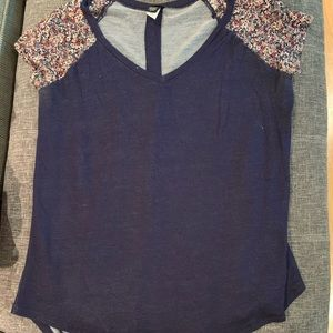 Torrid tshirt with floral capped sleeves